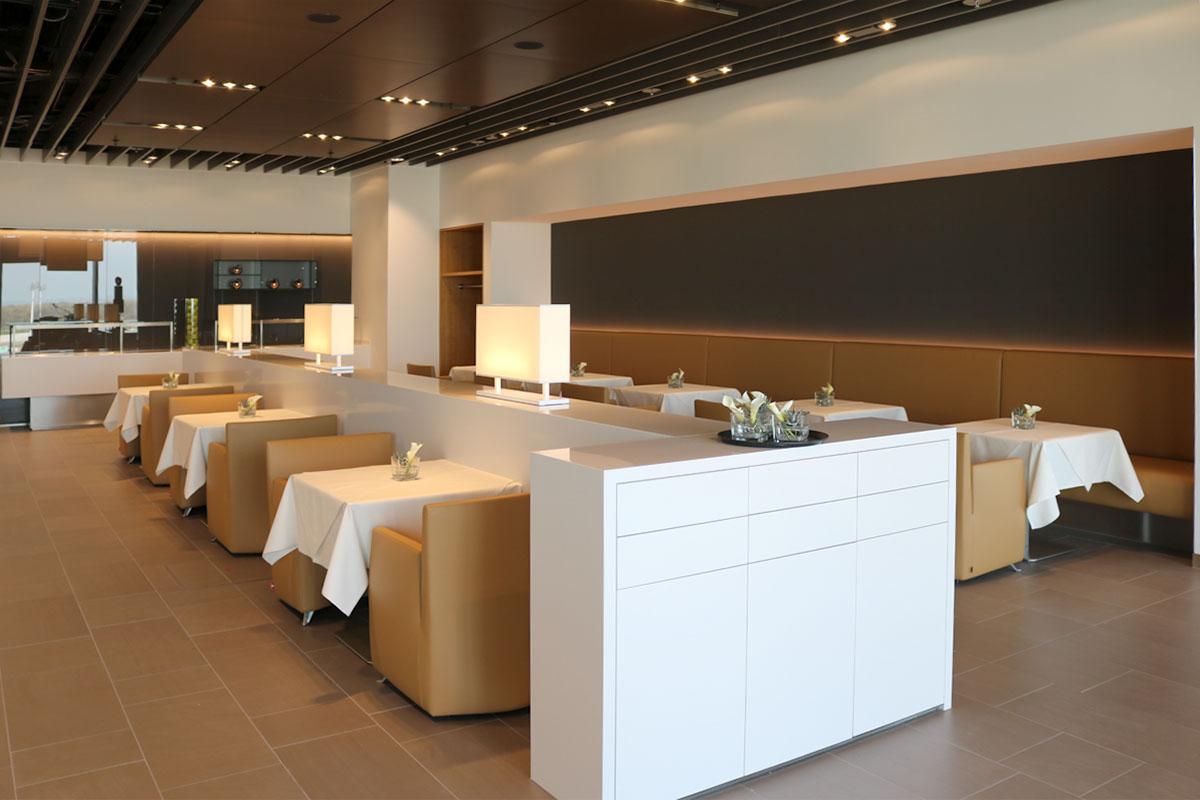 First Class Lounge_5